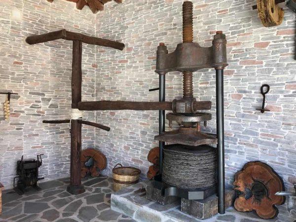 Alte Olivenpresse auf Korfu